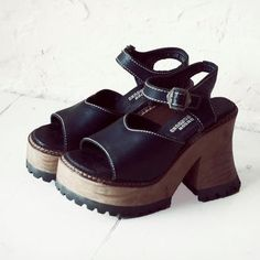 Vintage London Underground Black Leather and Wood Platform Wedge Strap Shoes  90s 80s Grunge Retro 8 7c580740b3b