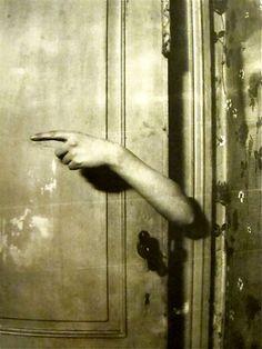 le bras revelatur by Paul Nouge