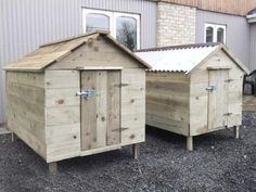 duck house...put hinges on bottom of door and lower it down n thats the ramp