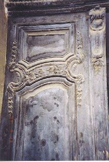 Southern Folk Artist & Antiques Dealer/Collector: 18th century French building in Cavaillon, France