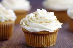 Ginger Brown Sugar Cupcakes with Spiced Cream Cheese Icing