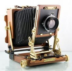 """Large-format camera manufactured originally by Fred Picker's """"Zone VI"""" enterprise."""