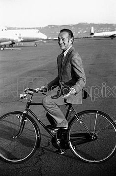 David Niven. Obligatory Credit - CAMERA PRESS / Elio Sorci / Photomasi. NOT FOR SALE IN ITALY. HIGHER FEES. ARCHIVE: British actor David Niven (1 March 1910 - 29 July 1983) pictured in Italy, April 1970Forhåndsvisning   Scanpix