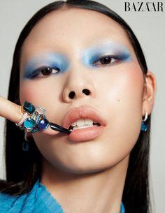 Fashion Editorial Makeup, High Fashion Makeup, Asian Makeup Editorial, Makeup Inspo, Makeup Art, Makeup Inspiration, Fresh Makeup, Blue Makeup, Beauty Photography