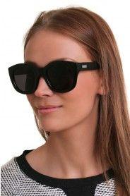 LE SPECS RUNAWAYS BLACK Le Specs, Sunnies, Wayfarer, Eyewear, Sunglasses Women, Eye Candy, Ray Bans, Accessories, Black