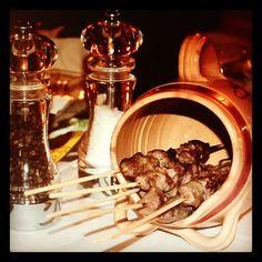 ...e quella voglia di #arrosticini che ti giunge in piena notte! #abruzzo #food » @rosati_luca » Instagram Profile » Followgram