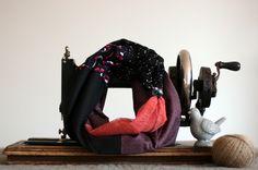 http://www.alittlemarket.com/echarpe-foulard-cravate/fr_snood_comme_un_coquelicot_par_violette_et_grenadine_-12400419.html