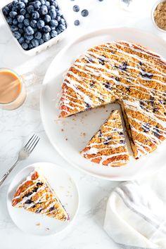 Blueberry Coffee Cake Brunch Recipes, Dessert Recipes, Desserts, Cake Recipes, Breakfast Recipes, Vanilla Glaze Recipes, Caramel Crunch, Sweet Breakfast, Breakfast Muffins