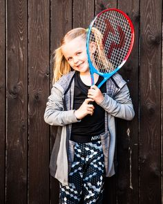 This one had an amazing time on the LTA run #TennisForKids course last year. She got her very own racket at the end of the 6 week course! Tennis For Kids is designed for 5-8 year olds who want to learn to play tennis and it's completely free! Lily took part in the @britishtennis ad this year and you can see the new video https://youtu.be/4-FnJ7Duhps?list=PL6P9iGS4Ir9lDhDE7Dw4HelKYJNa3UE4B @BritMums #Ad #britishtennis #gohitit #tennisforkids #tennisdrills #lovetennis #tennis #LTA #tennisball…