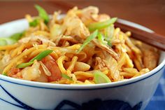 Mee goreng or spicy fried noodles is delicious. This easy mee goreng or fried noodles recipe makes a great serving of mee goreng (spicy fried noodles). | rasamalaysia.com