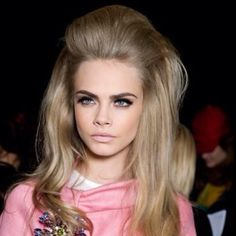 Love the volume in this #sixties #hair #volume