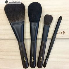 Repost from @cecilialamb @TopRankRepost #TopRankRepost Inspired by @myramking Ive become obsessed with pencil brushes. The kokutan Hakuhodo on the rightmost is a new addition   #hakuhodo #hakuhodobrushes #白鳳堂 #kokutan #ebony #fude #kumano #handmade #madeinjapan #japaneseart #japan #kyoto #京都 @fudejapan