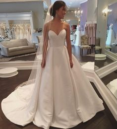 White Sweetheart Satin Wedding Dress Simple and Claasic Formal Gowns Women Party Dresses