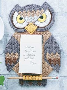 Plastic Canvas - Message Owl