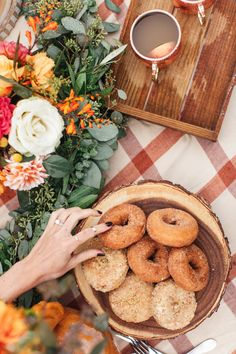 How To Celebrate Fall with Your Best Girlfriends- Trade in that girls shopping trip for a little autumn face time like this shindig from Chrissy McDonald and Torrey Fox. Fall Picnic, Picnic Table, Brunch, Happy Fall Y'all, Food For A Crowd, Autumn Inspiration, Autumn Ideas, Christmas Inspiration, Fall Harvest