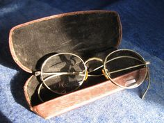 Vintage Eye glasses with case Steampunk Wire by ThoughtfulVintage #steampunk #thoughtfulvintge #eyeglasses
