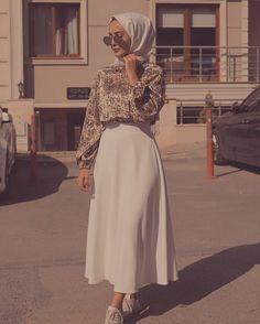 🌟 Love this Outfit ❤ 🌟 – Hijab Fashion Hijab Fashion Summer, Modest Fashion Hijab, Modern Hijab Fashion, Modesty Fashion, Hijab Fashion Inspiration, Muslim Fashion, Mode Inspiration, Skirt Fashion, Fashion Outfits