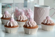 "Passion 4 baking ""Raspberry vanilla cupcakes & Swiss Meringue Butter Cream"