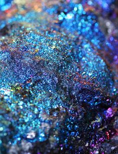 Peacock Rock or Peacock ore, (bornite) iridescence blues & blue-violets