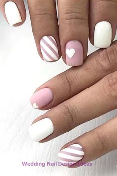 French Manicure has been a must for a well-groomed woman for centuries. The elegan manicure to perfection helps you to maintain your natural look and look glamorous. This elegant manicure… Simple Wedding Nails, Wedding Nails Design, Simple Nails, May Nails, Hair And Nails, Solid Color Nails, Nail Colors, Short Nails, Long Nails