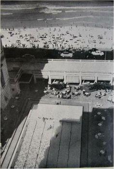 Copacabana Palace - 1923 Na foto, vemos a famosa piscina do Copacabana Palace, na Av. Atlântica, em Copacabana.