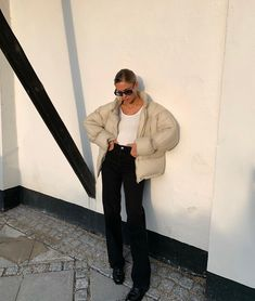 awesome Tagged with accessories chic earrings fashion girl hair hairstyle jewellery jewelry necklace street style style sunglasses Monochrome Fashion, Minimal Fashion, Classic Fashion, Trendy Outfits, Fall Outfits, Fashion Outfits, Winter Fits, Neutral Outfit, Trends