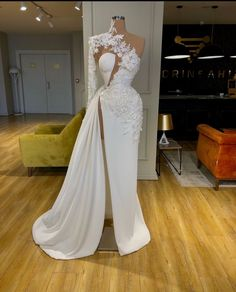 Find the perfect gown with Pageant Planet. Browse all of our beautiful prom and pageant gowns in our dress gallery, which includes Sherri Hill, Jovani, Mac Duggal and more! Stunning Dresses, Beautiful Gowns, Elegant Dresses, Pretty Dresses, Dream Wedding Dresses, Bridal Dresses, Lace Wedding, Modest Evening Gowns, Evening Dresses For Weddings