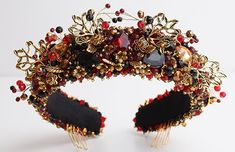 Where to Find the Best Padded Headbands Fashion Trend Summer 2020 - Embellished Headbands Summer Fashion Trends 2020 - Padded Hairbands Summer Wide Headbands Wide Velvet Headbands Wide Velvet Hairbands. Gifts for Fashionista Cyber Monday 1920s Fashion Dresses, 1920s Outfits, 1920s Dress, Gatsby Party, 1920s Party, 1920s Wedding, Wedding Ideas, Party Wedding, Wedding Pictures