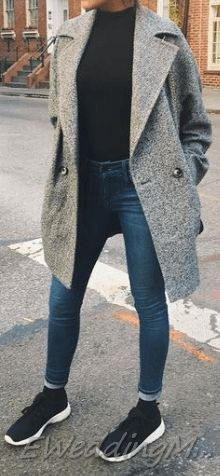 Comfy Winter Casual Outfits with Jeans For Women - - Comfy Winter Casual Outfits with Jeans For Women Source by eweddingmag Outfit Jeans, Light Jeans Outfit, Winter Outfits Women, Casual Winter Outfits, Casual Fall Outfits, Looks Pinterest, Casual Weekend Outfit, Outfit Invierno, Perfect Fall Outfit