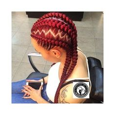 All styles of box braids to sublimate her hair afro On long box braids, everything is allowed! For fans of all kinds of buns, Afro braids in XXL bun bun work as well as the low glamorous bun Zoe Kravitz. Box Braids Hairstyles, African Hairstyles, Girl Hairstyles, Hairstyles 2018, Black Hairstyles, Cornrow Hairstyles White, Beautiful Hairstyles, Summer Hairstyles, Ghana Braid Styles