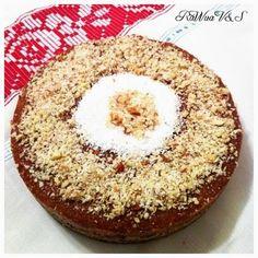 RaWua Vietii si a Sanatatii: Prajitura raw cu nuci si mere Raw Vegan, Muffin, Breakfast, Desserts, Food, Morning Coffee, Tailgate Desserts, Deserts, Essen