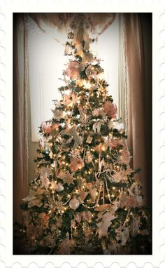 Christmas Tree in Cream/Gold/Crystal with a touch of pink