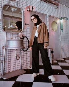 Hijab Casual, Simple Hijab, Ootd Hijab, Hijab Chic, Modern Hijab Fashion, Street Hijab Fashion, Hijab Fashion Inspiration, Muslim Fashion, Hijab Teen