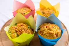 Briose cu ardei gras/  Paprika Muffins Muffins, Picnic, Eggs, Cupcakes, Breakfast, Food, Morning Coffee, Muffin, Cupcake Cakes