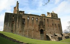 5.3 Linlithgow Palace in Edinburgh, United Kingdom