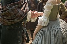 The wedding attire. Outlander Dress, Costumes Outlander, Outlander Wedding, Outlander Series, Outlander Clothing, Outlander Quotes, Claire Fraser, Jamie Fraser, Jamie And Claire