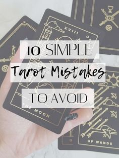 As a beginner Tarot reader, it can be hard to know where to start. The deck feels overwhelming and there are a million different spreads you can use. I struggled to learn Tarot for many years. Tarot Cards For Beginners, Tarot Card Spreads, Tarot Astrology, Tarot Card Meanings, Tarot Card Decks, Tarot Readers, Card Reading, Tarot Cards Reading, Oracle Cards