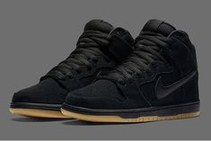 While Nike SB Dunks during its peak of is remembered for the bright colors and unprecedented details, the muted colorways often stood aside, Nike Sb Shoes, Fly Shoes, Kicks Shoes, Shoes Sneakers, Shoes Men, Sneakers Fashion, Fashion Shoes, Dope Fashion, Men Fashion
