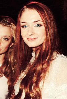 Sophie Turner (whoever cropped out Natalie Dormer is a MONSTER but dat hair)
