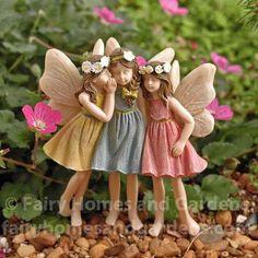 Miniature Fairies Sharing Secrets - Garden Style - Miniature Fairies Sharing Secrets This adorable trio of fairy girls have white flowers in their hair, Fairy Garden Pots, Fairy Garden Supplies, Fairy Garden Houses, Fairy Statues, Fairy Figurines, Miniature Fairy Gardens, Miniature Fairies, Beautiful Fairies, Fairy Doors