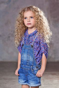 8e61c86df03 ALALOSHA  VOGUE ENFANTS  Child Model of the Day Mariana Young Models