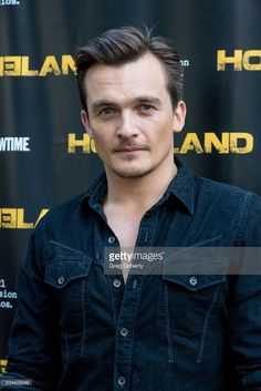 "Actor Rupert Friend arrives at the Emmy FYC Event For Showtime's ""Homeland"" at the Zanuck Theater at Century Fox Lot on May 2016 in Los Angeles, California. Actors Male, Tv Actors, Actors & Actresses, Peter Quinn Homeland, Homeland Tv Series, Gorgeous Men, Beautiful People, Carrie Mathison, League Of Gentlemen"