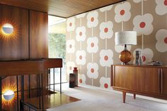 The Giant Abacus Flower wallpaper from the Orla Kiely collection by Harlequin makes a real statement!
