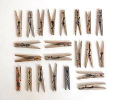 wood clothespins via A COLLECTION A DAY