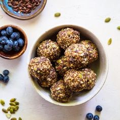 Superfood Blueberry Dark Chocolate Energy Balls are my newest favorite to-go snack! I make them with walnuts, almonds, pumpkin seeds,… Healthy Vegetarian Meal Plan, Healthy Egg Salad, Vegetarian Recipes, Paleo Vegan, Healthy Recipes, Cookie Dough Recipes, Edible Cookie Dough, Vegan Fudge, Almond Flour Pancakes