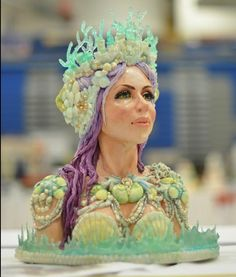 Edible Art | Mermaid Bust Cake