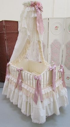 Angela Lace: pink and cream baby moses basket