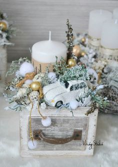 100 Creative Christmas Decor for Small Apartment Ideas Which Are Merry & Bright - Hike n Dip Even if you have a small Apartment, you can decorate it for Christmas. Here are Christmas Decor for Small Apartment ideas, that are cheap & budget friendly Christmas Candles, Rustic Christmas, Christmas Home, Christmas Wreaths, Christmas Crafts, Christmas Ornaments, Woodland Christmas, Christmas Arrangements, Christmas Centerpieces