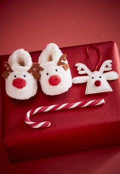 6f4d5d9819a83  Chaussons en fausse  fourrure A petits pas vers  Noël avec de beaux