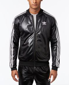 Get standout style with this vintage track jacket design from adidas Originals, featuring a shiny finish for a fresh look. Adidas Leather Jacket, Adidas Jacket, Look Adidas, Adidas Men, Adidas Fashion, Mens Fashion, Men's Triathlon, Sport Outfits, Leather Men